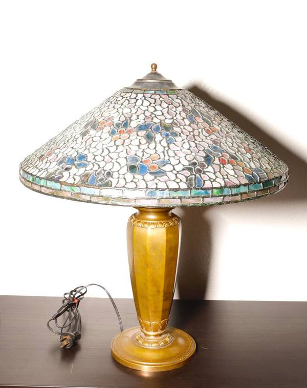 Tiffany Lamp Base With Reproduction Shade