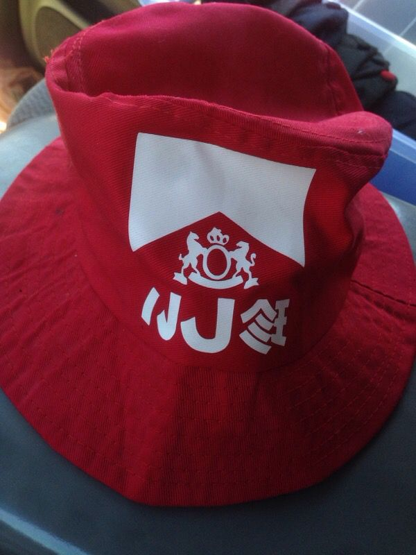 Marlboro red Japanese bucket hat for Sale in Riverside 8a291e116ce