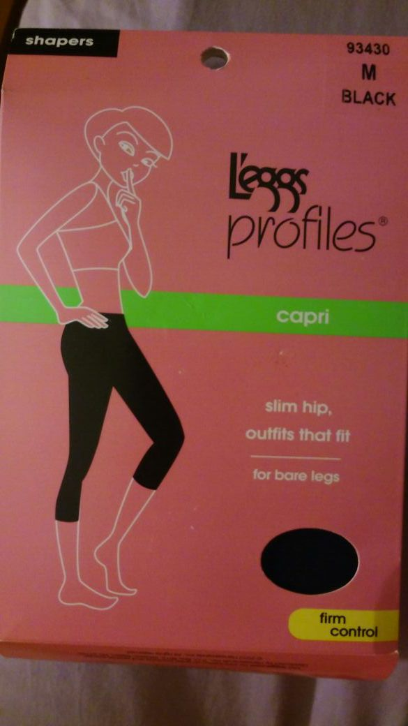1a4b446cc3 Leggs profile capri shaper M for Sale in North Miami Beach