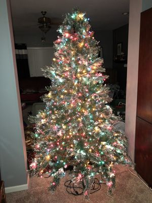 Christmas Tree 7 1/2 Ft. multi light with fiber optics. for Sale in St. Peters, MO