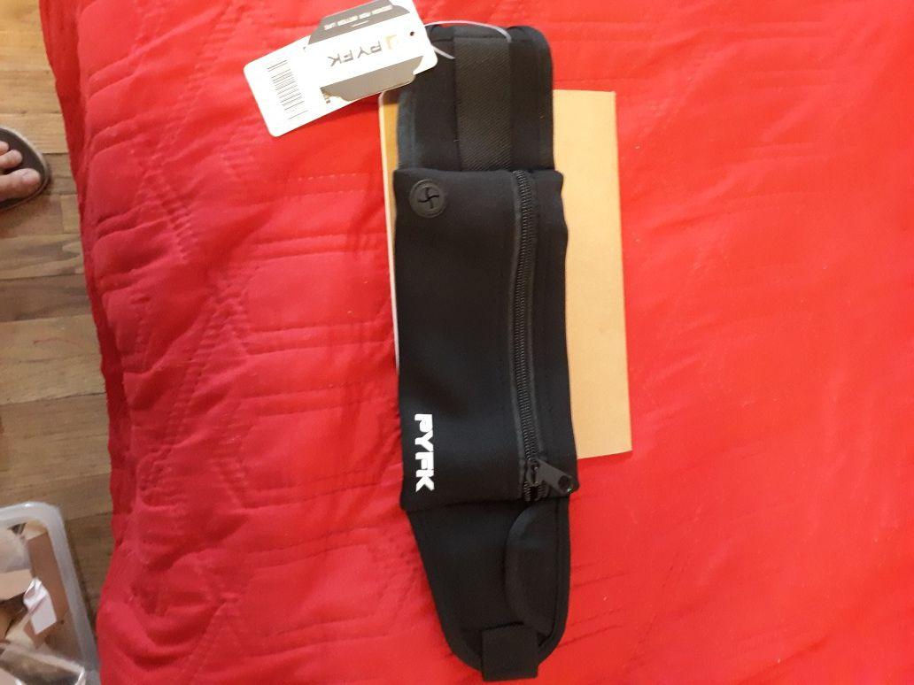 Running belt waist pack adjustable for men or women