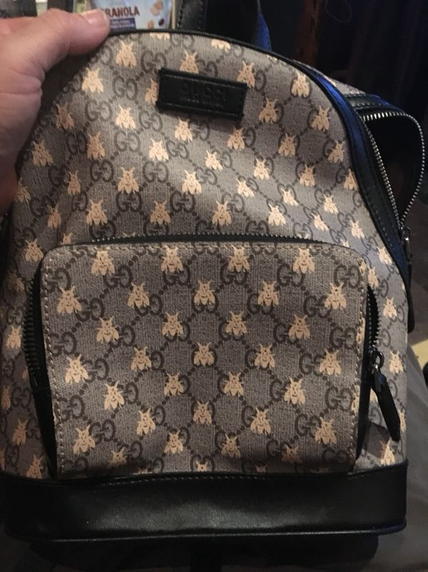 f63b99fae9f0 Gucci GG supreme bees backpack 427042 for Sale in Los Angeles, CA - OfferUp