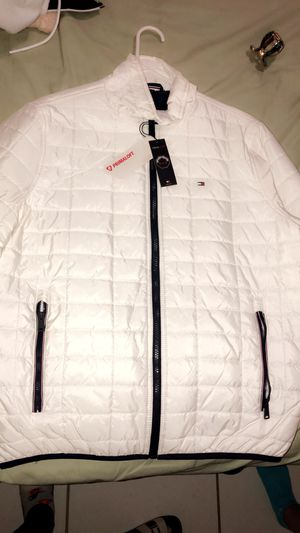 New and Used Tommy hilfiger jacket for Sale in Homestead, FL