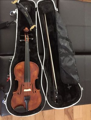 3/4 Violin comes with everything. for Sale in Saint Cloud, FL