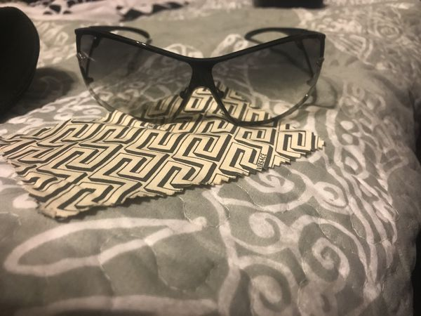 e135dc72ea188 Versace mod 2048. Original case and wipe cloth for Sale in Chandler ...