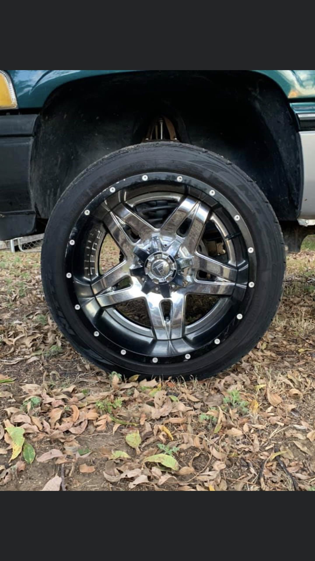D255 Fuel Rims and Nitto Tires