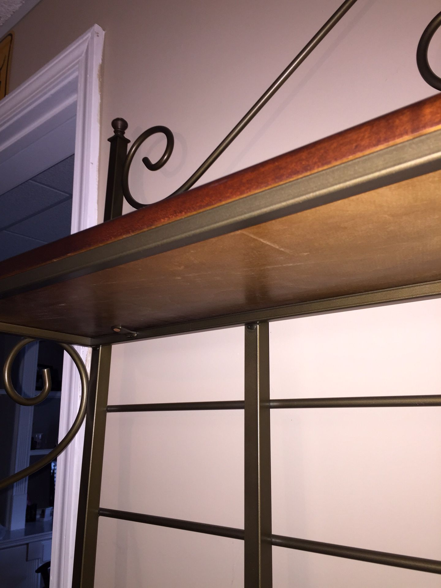 Bakers rack very high quality paid $1200 asking $550