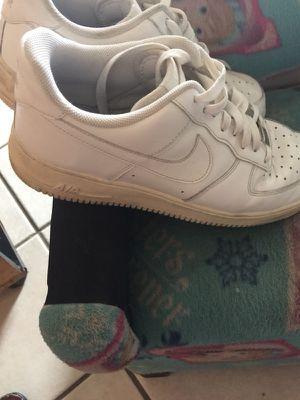 544ef787dd9b0 Nike s de hombre size 10 for Sale in Glendale