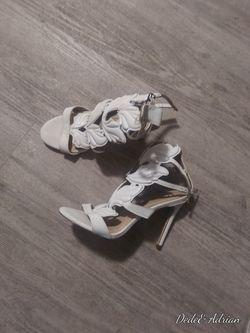 Women heels Thumbnail