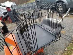 "30"" 2 DOOR DOG TRAINING CRATE for Sale in Monrovia, MD"