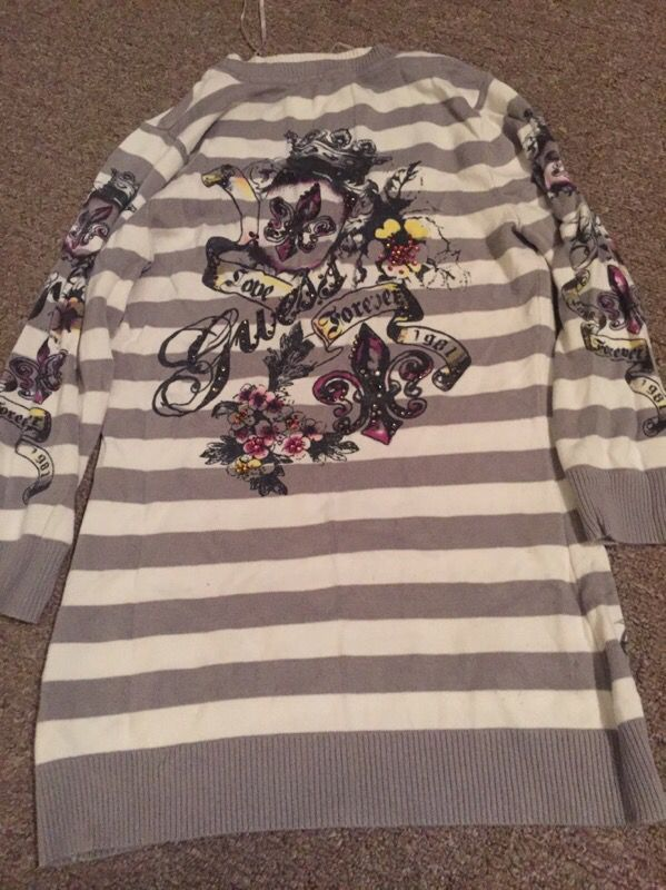 Guess sweater sz s