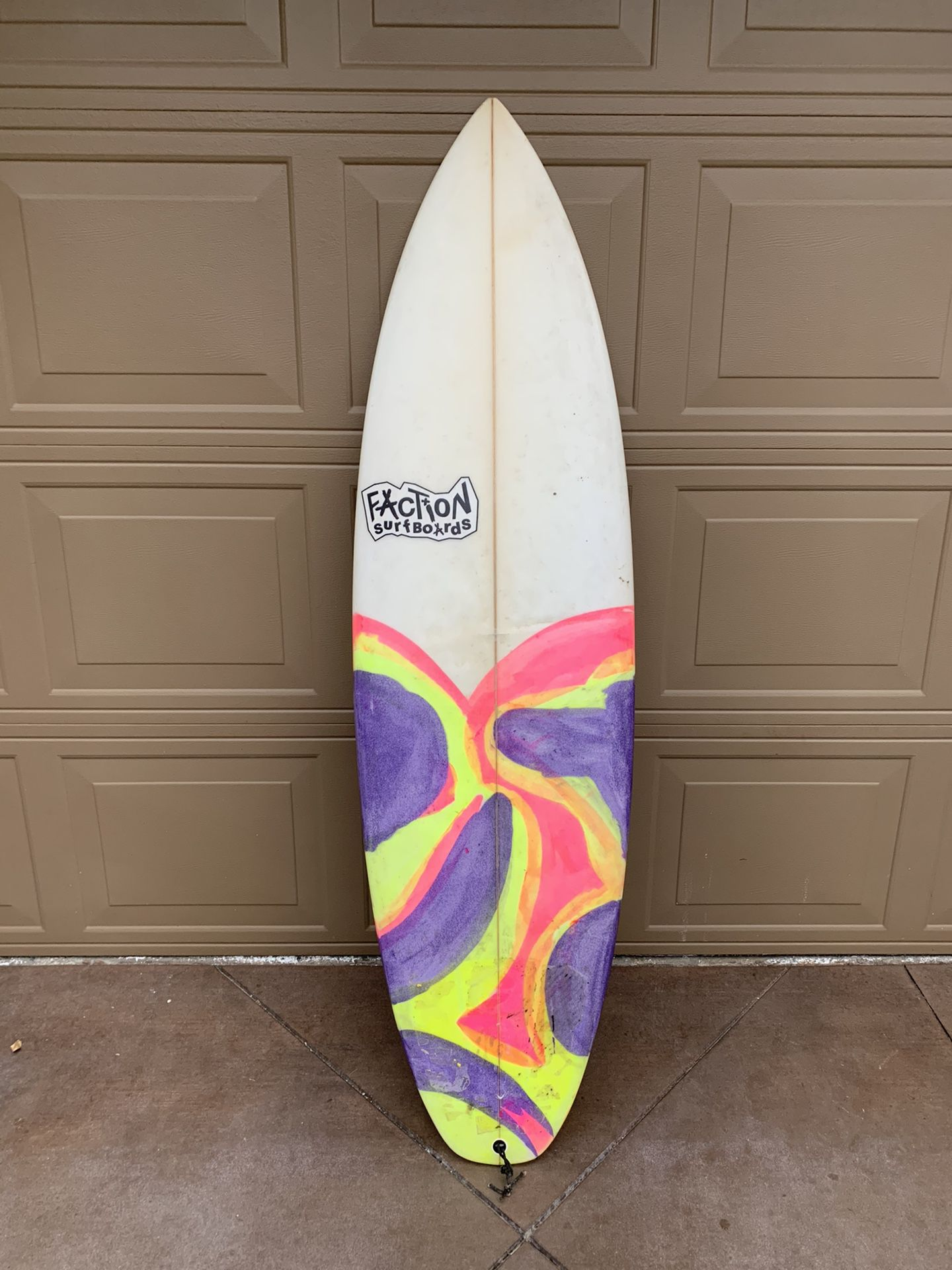 Surfboard - 5'9 Quad Custom Shortboard