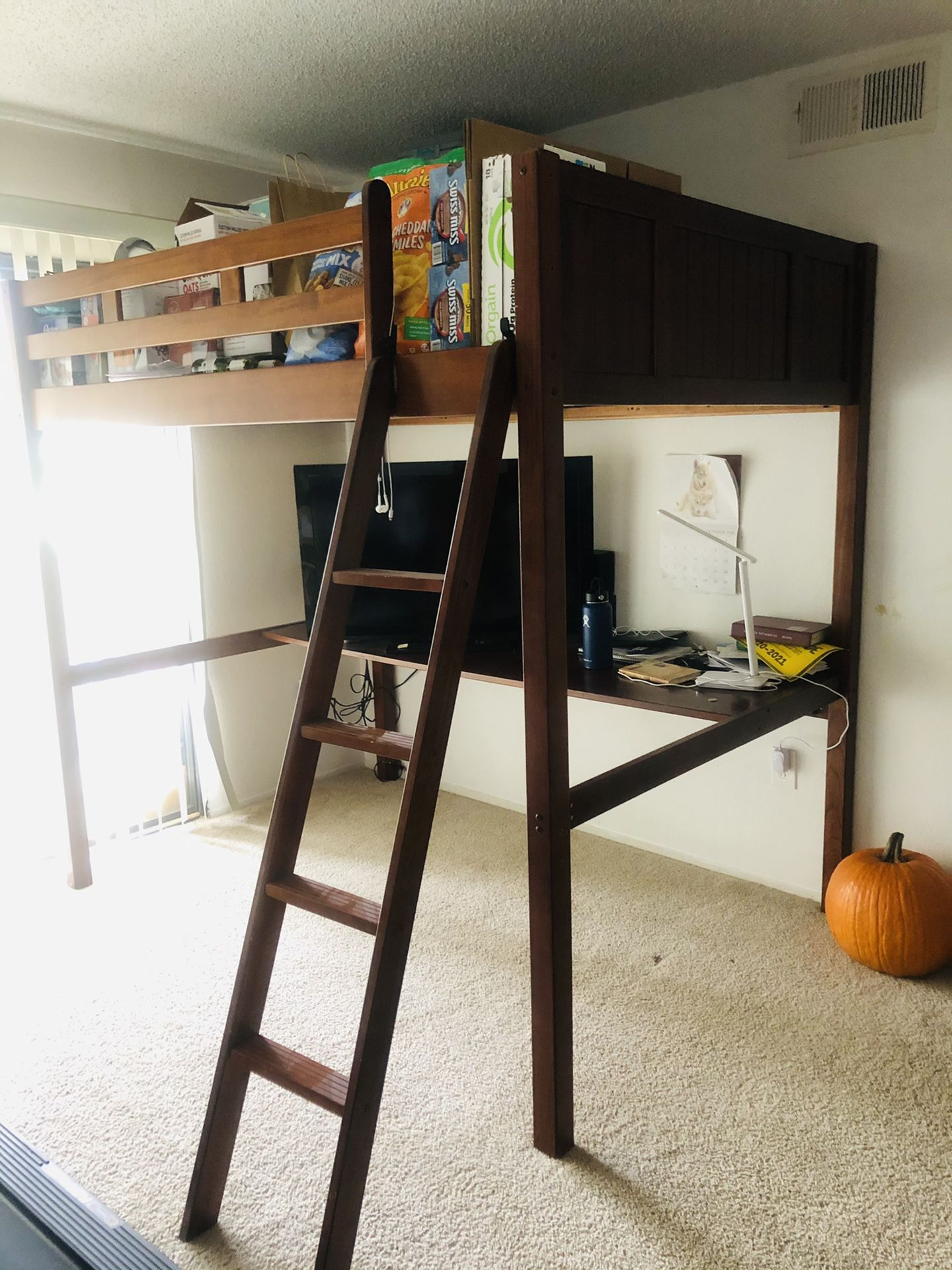 Bunkbed with study table