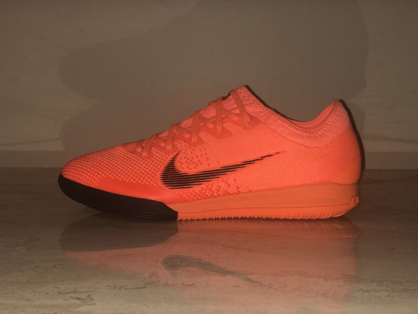 f8611bb1317 Nike MercurialX Vapor 12 Pro IC Indoor Soccer Shoes AH7387-810 Men s US 7.5    10.5