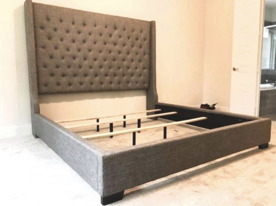 (NEW IN BOX) 6FT Queen & King Size Tufted Fabric Bed Grey Brownish Bed Frame 👑