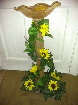 """birdfeeder with carnival glass 30"""" tall for Sale in Philadelphia, PA"""
