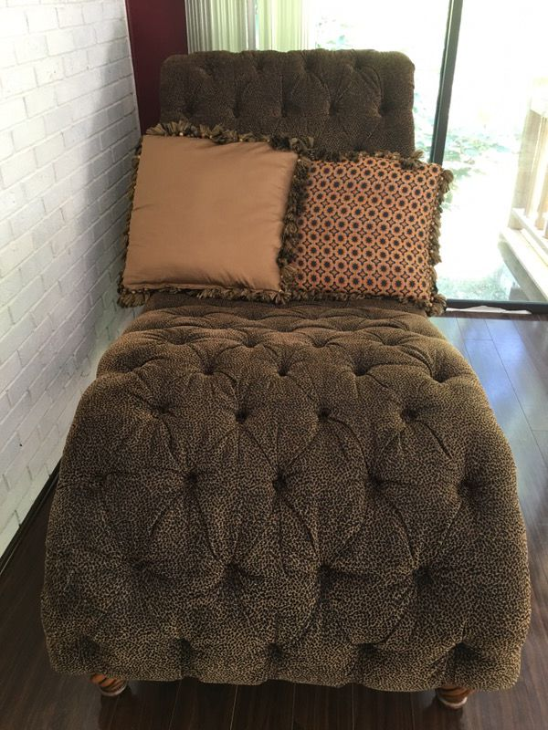 Moving Rachlin Classics Dinah On Tufted Chaise Lounger Furniture In Charlotte Nc Offerup
