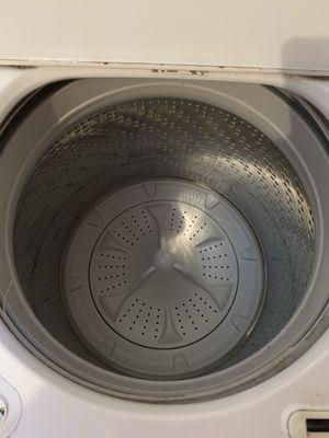 Photo Whirlpool Washer & GE dryer