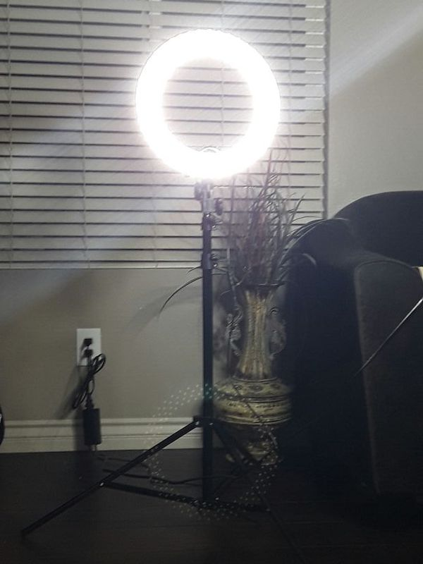 Diva Ring Light 6 5 Lightstand Padded Case Super Bright Photography Makeup Artists Video For In Riverside Ca Offerup