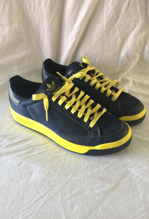 07b15fc8f907 Special Edition Rod Laver Maize and Blue Michigan Adidas. for Sale ...