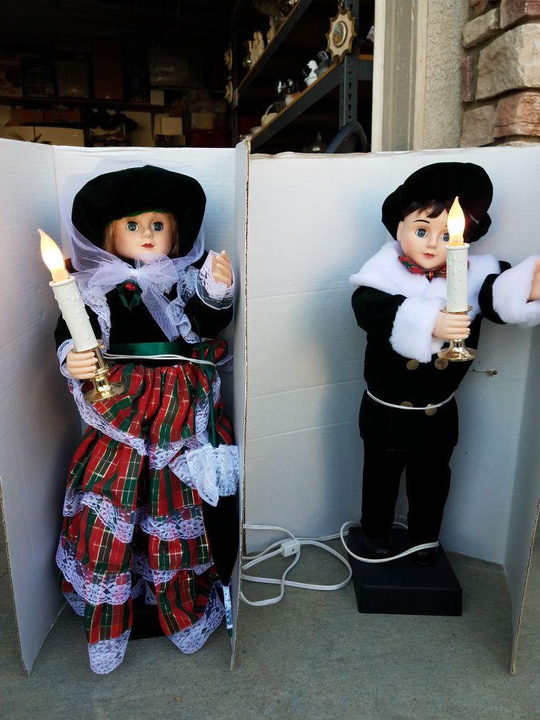 2 animated figurines