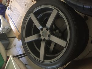 Like new mustang 10-18 20x9 20x10 for Sale in Orlando, FL