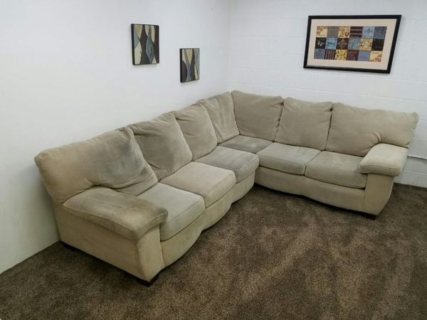 1056 Cream Sectional Sofa Set Furniture In Lake Oswego Or Offerup