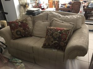 Free sofas gratis sofas for Sale in Miami, FL