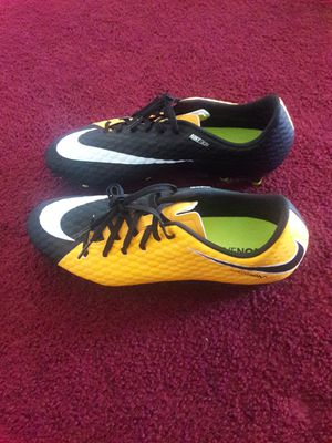 Nike Hypervenom Phelon ll FG for Sale in Los Angeles, CA