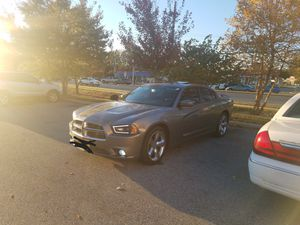 2014 dodge charger 71,000 miles flow master exhaust installed 2months ago by kellys Muffler and 2 month old paint job with 5yr warranty Beats By Dre. for Sale in Fort Washington, MD