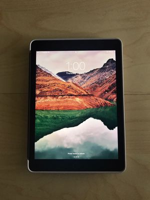 iPad Pro 9.7in 128gb for Sale in Azalea Park, FL