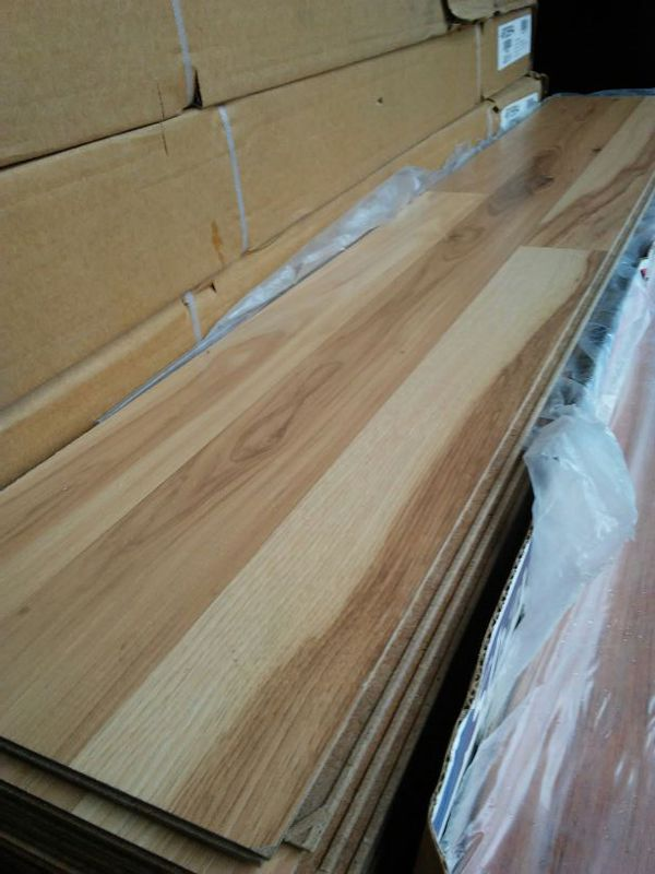 120sf Laminate Flooring Shaw Style 0244u 00188 For In Vancouver Wa Offerup
