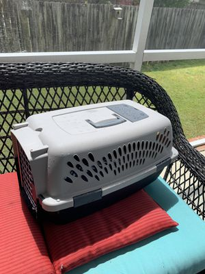 """Photo Pet carrier used one time 24""""x14""""x11"""" cats or small dog"""