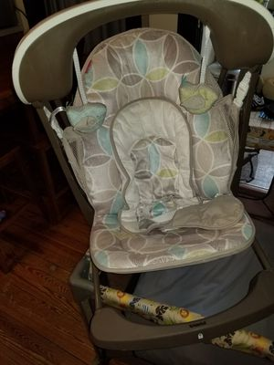 Baby swing and vibrating seat for Sale in Walkersville, MD