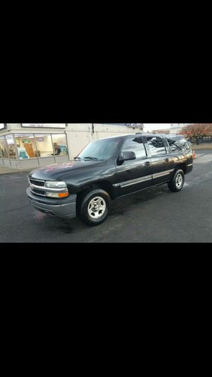 2004 Chevrolet Suburban 1500 4x4 row seat 121 K miles for Sale in Ruther Glen, VA