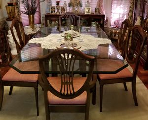 """Beveled Edge 1"""" thick dining room table and 6 chairs for Sale in FX STATION, VA"""