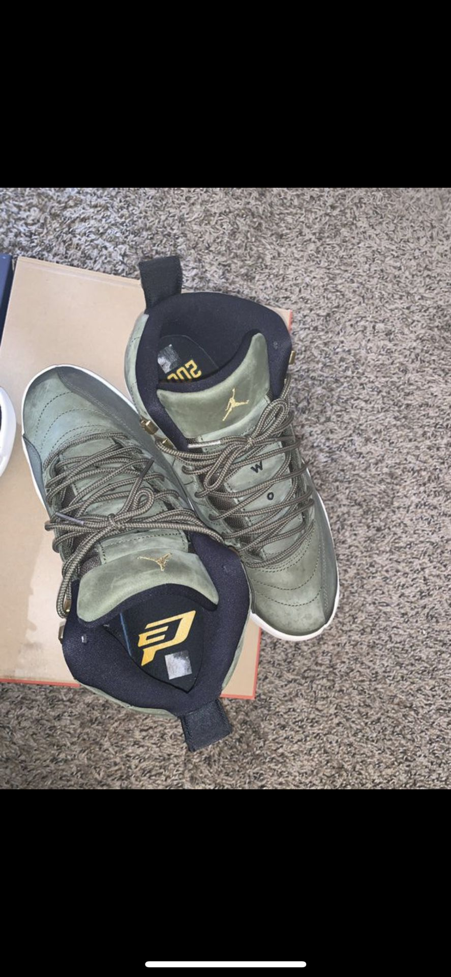 Jordan 9 (SIZE 9 & 8.5)