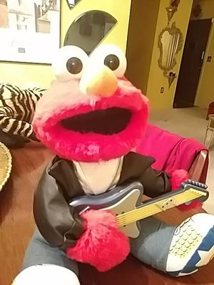Rock and roll Elmo 1997 for Sale in Denver, CO