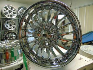 Photo Brand New 18X8.5 Chrome Rims *5X139.7 *5X5.5* *DODGE* *18MM Offset*