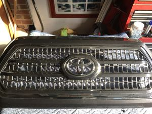 2017 Toyota Tacoma Grill. Excellent condition! for Sale in Washington, DC