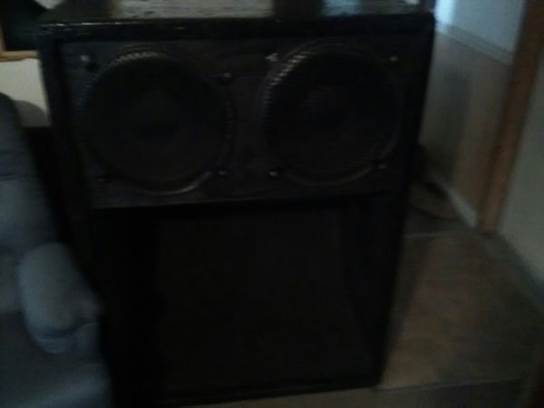 Twin 15 inch speakers with scoop for Sale in Thonotosassa, FL - OfferUp