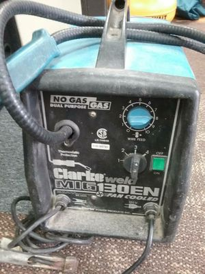 Clarke WE6523 130EN 120-Volt Fluxcore/MIG Welder for Sale in Baltimore, MD