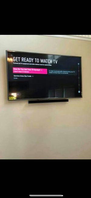 Flatscreen lg tv Mount on wall for Sale in Houston, TX