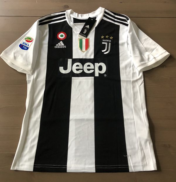 competitive price 5c91d dec49 Juventus home Ronaldo #7 Soccer jersey men Series A for Sale in Miami, FL -  OfferUp