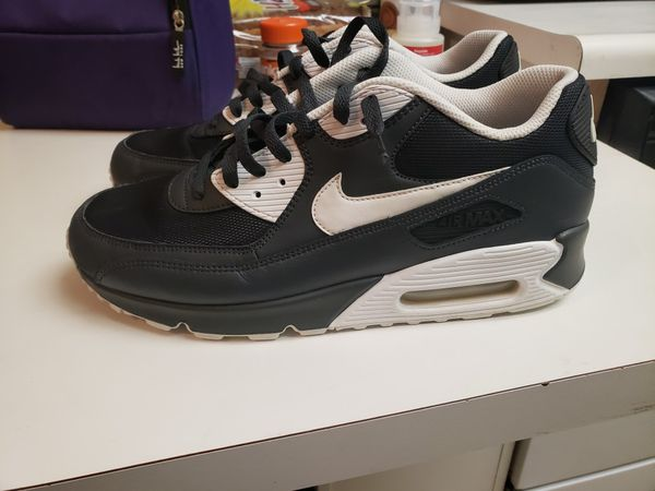 big sale 0c731 91809 Nike Air Max 90 size 10.5 for Sale in Newhall, CA - OfferUp