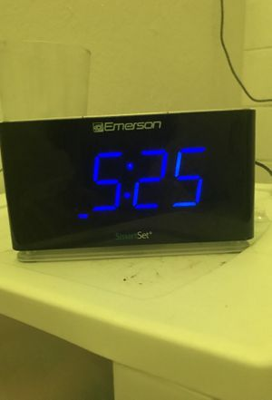 Bluetooth speaker/radio alarm clock/charger port aux in for Sale in Kissimmee, FL