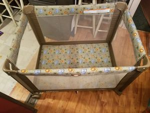 Pack an play with detachable bassinet for Sale in Buckingham, VA