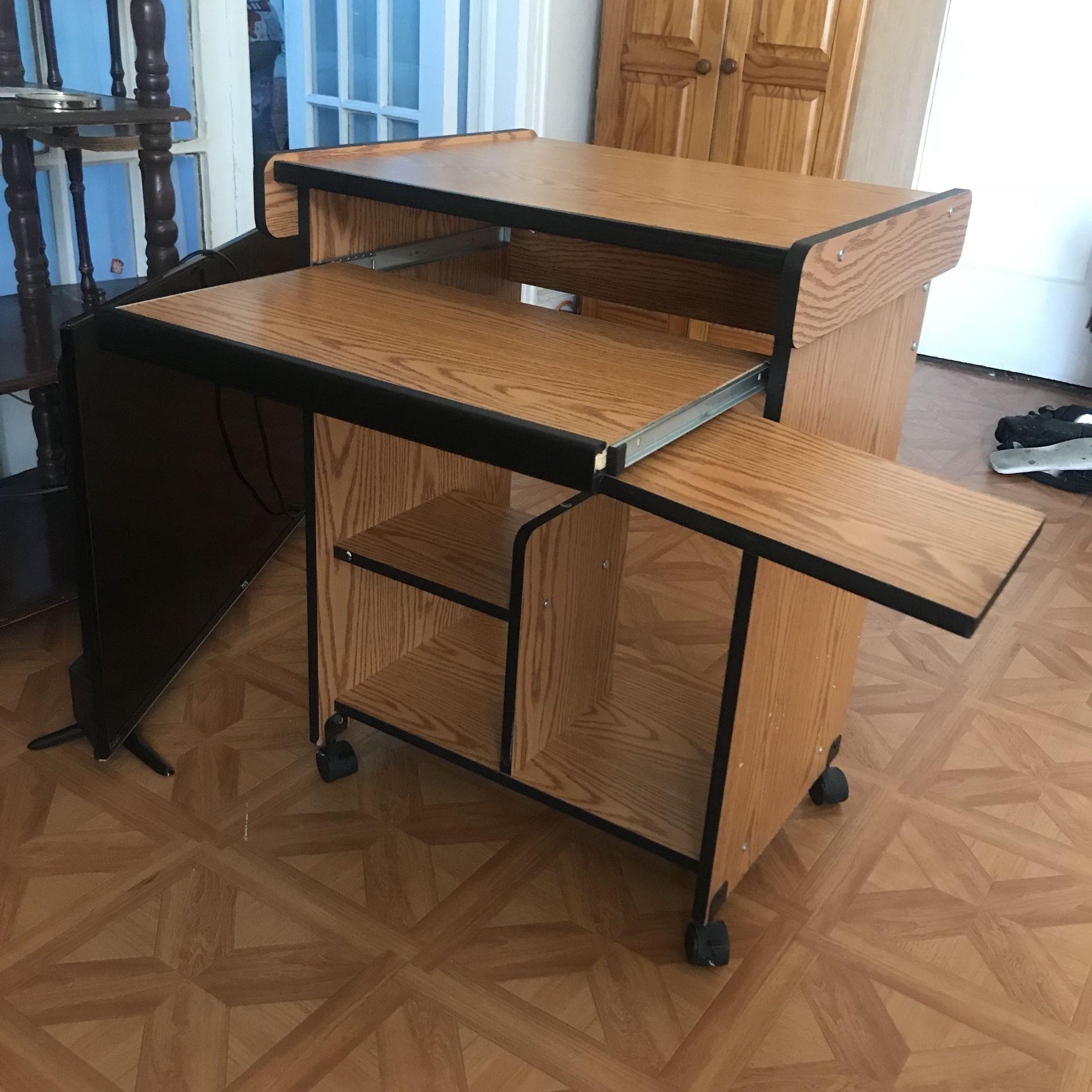 Small compact desk