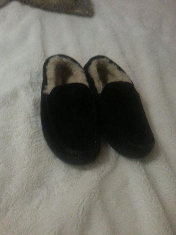 UGG shoes unisex size 10