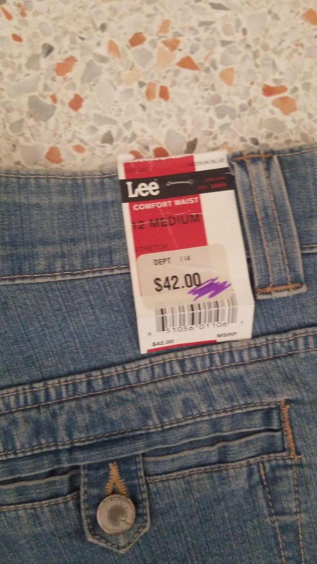 Short pants.. lee, new!!